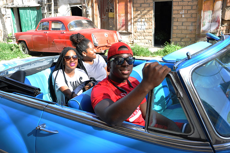 Anacostia D.C. Public School students enjoying a field trip to Havana.
